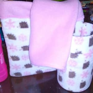 Rats Snuggle Pouch, Blanket & Small Pipe
